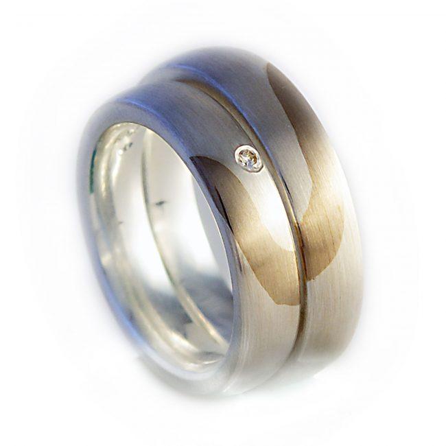 Damenring 925/-Silber, 750/-GG, Brill. 0,02ct. Herrenring: 925/-Silber, 750/-GG (Schiene in 5mm und 6mm lieferbar)